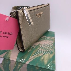 kate spade Bags - 🎁🎄Kate spade Sylvia small slim bifold wallet